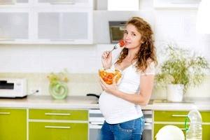 Что делать будущим мамочкам, если во время беременности у них разрушаются зубы
