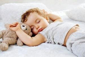 У ребенка бессонница: причины и помощь.