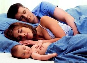 Когда ребенку можно спать одному?