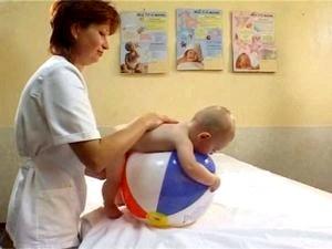 Когда ребёнок начинает ползать, упражнения, массаж, видео