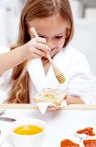 Можно ли давать ребенку мед? Мед детям до года