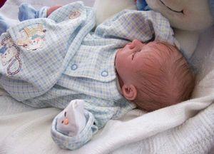 Одежда для новорожденного: как выбрать