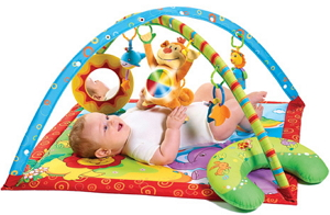 Первые игрушки для новорожденных