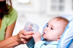 Правильно выбираем воду для малыша, её отличие от воды для взрослых