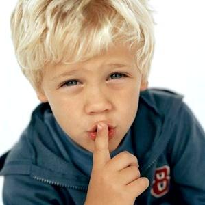Ребенок-молчун: стоит ли беспокоиться?