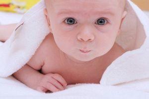 Режим дня новорожденного ребенка: прогулка, кормление, купание