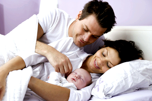 Совместный сон с новорожденным. Недостатки и преимущества