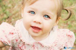 У малыша появились отеки под глазами: причины и лечение.