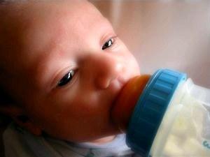 У ребенка икота: как помочь малыша избавиться от нее.
