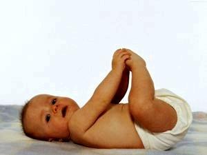 Упражнения для физического развития ребенка 4-6 месяцев
